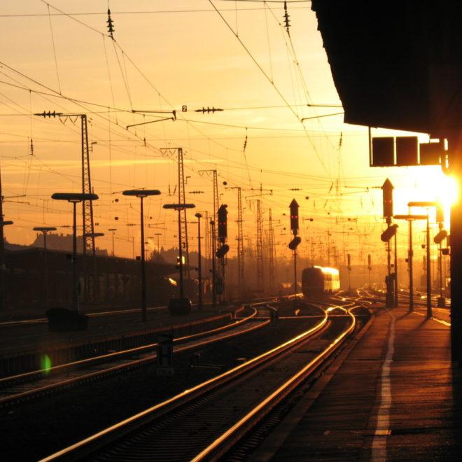 Gleißendes Gleisfeld des Fürther Hauptbahnhofes (Foto: Ralph Stenzel)